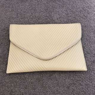 Mocha Tanned Clutch With Gold Chain