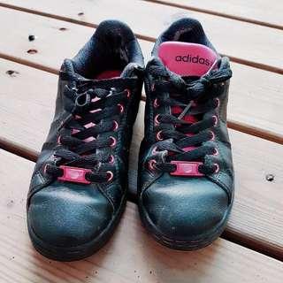 [二手] Adidas 愛迪達 Neo Label 黑色桃紅底運動鞋 球鞋