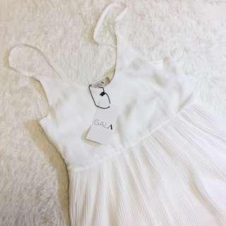 純白雪紡細肩帶背心百褶長裙 洋裝 可內搭