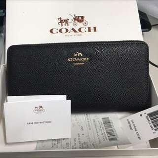 Coach 荔枝紋多卡型長夾