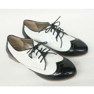 Black and white oxford Size 36-38