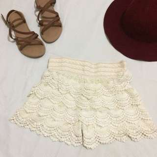 Boho Short (Off White)
