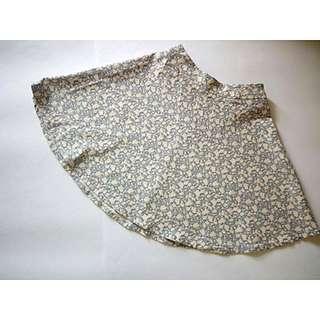 Pull And Bear Floral Mini Skirt #jatuhharga