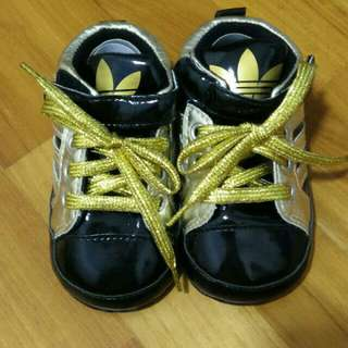 [Brand NEW]  SOFT SOLE BABY SHOES