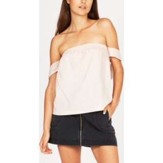 Alice In The Eve Off The Shoulder Linen Top Blush