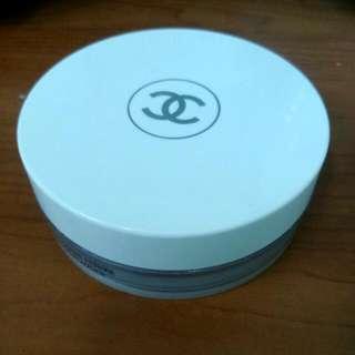 Chanel 珍珠光感淨白防曬蜜粉