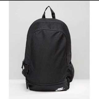 Nike 黑色素面後背包