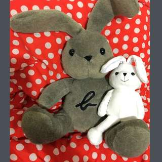 全新 Agnes B 絕版 Rabbit Doll 大兔兔公仔 Set Of Two