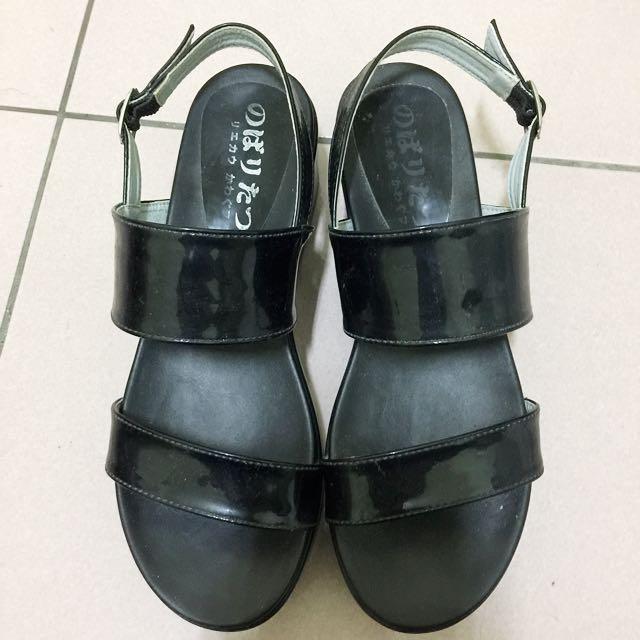 韓款 亮面厚底涼鞋 #轉轉來交換 #六月免購物直接送