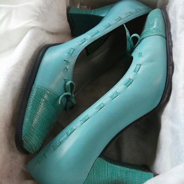 Apple Green Shoes ( Biru Muda )