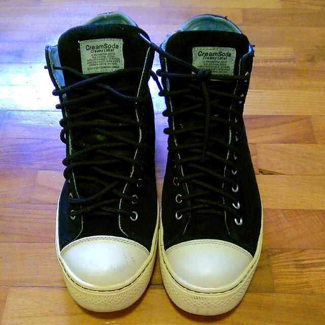 b42689d7ff Authentic Cream Soda Sneakers Black US10 With Zip Sides