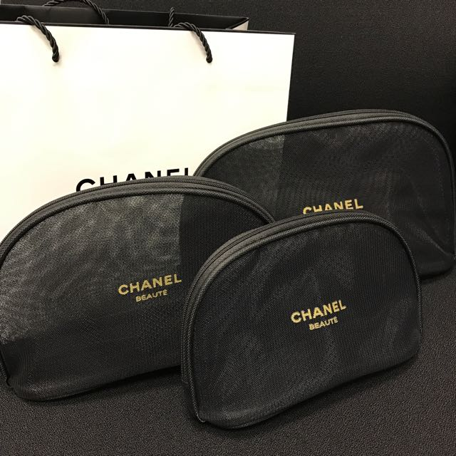 e57486303f4c BN Auth CHANEL BEAUTE Black Mesh Pouch VIP Gift SMALL, Luxury, Bags &  Wallets on Carousell