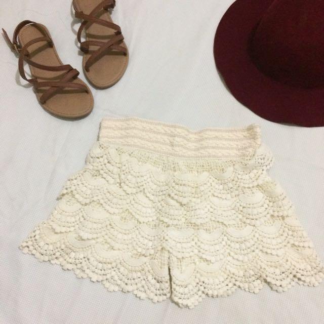 Boho Short (Off White)