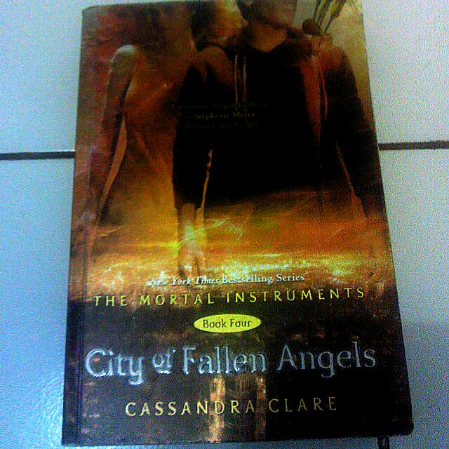 City of Fallen Angels - Cassandra Clare (Book Four)