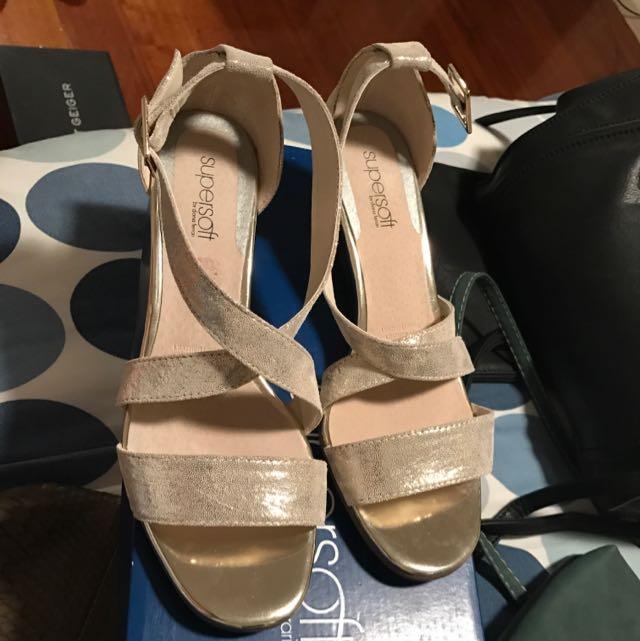 Diana Ferrari Small Wedge Sandal