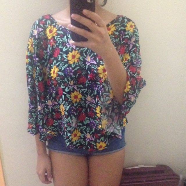 Floral Top / Outer Poncho