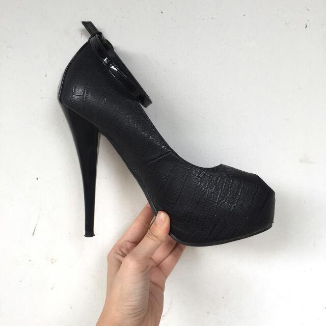 Free! Stefania Baldo - Black High Heels