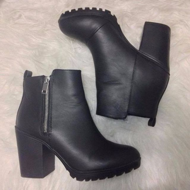 H&M BOOTIES 7.5/38