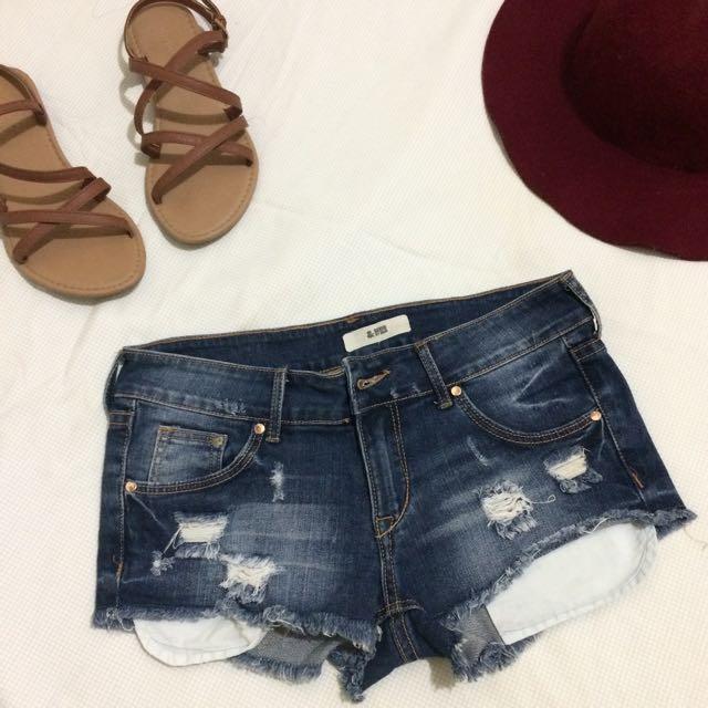 H&M tattered Short 💎