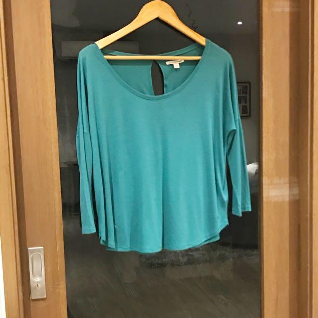 Long Sleeves Green top