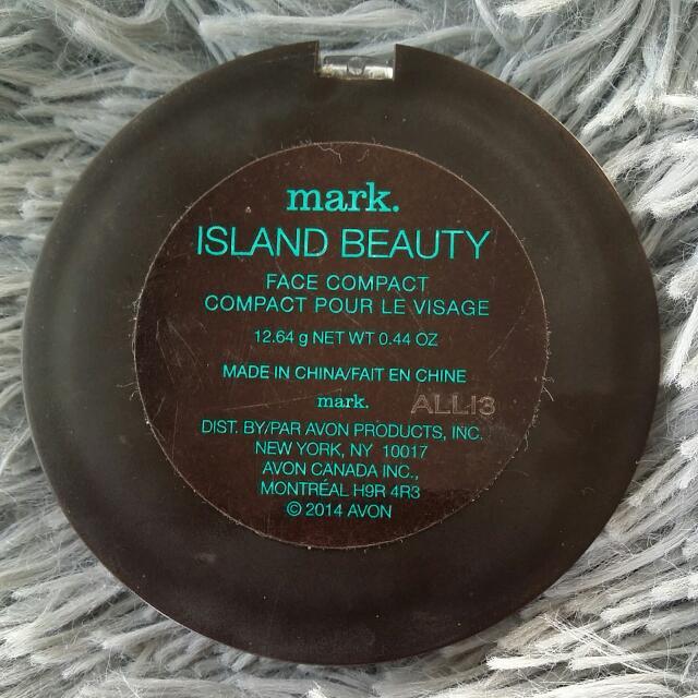 Mark. Island Beauty Face compact