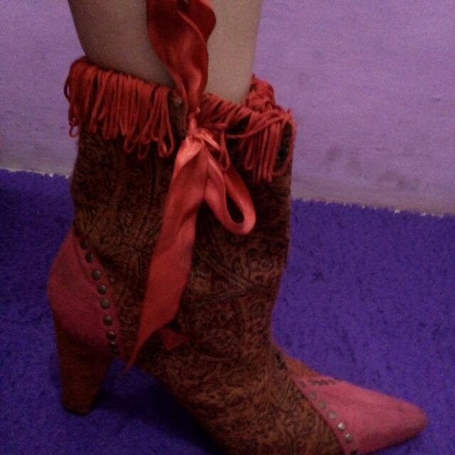 Red Coboy  Boots Size 40-41