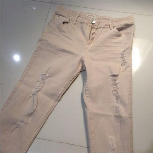 Ripped Jeans (STRADIVARIUS)