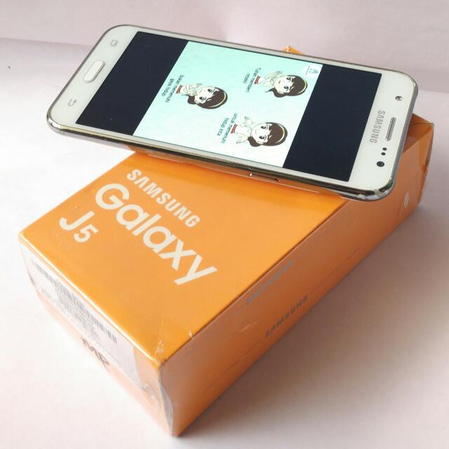 Samsung J5 Putih 4g garansi fullset+bonus bandung