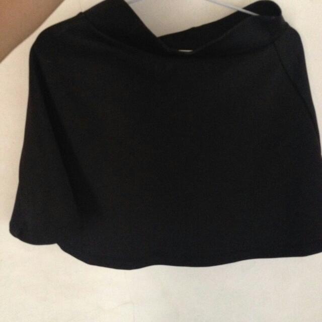 Skirt Hitam Pendek
