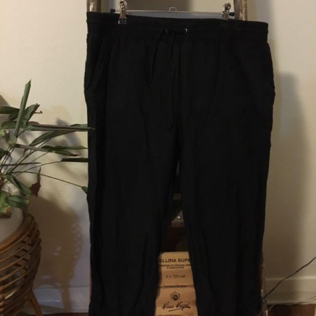 Suzanne Grae Black 3/4 Pants