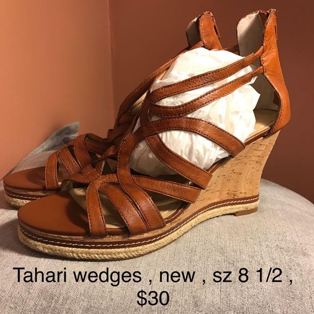 Tahari Wedge