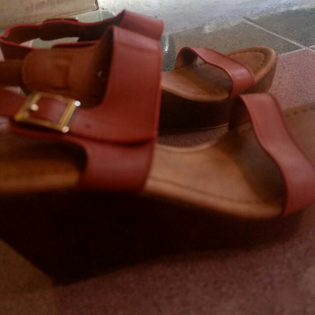 Wedges The Sandal's No 37