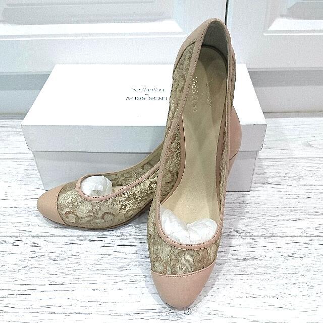 YunYunSun for MISS SOFI蕾絲縷空跟鞋