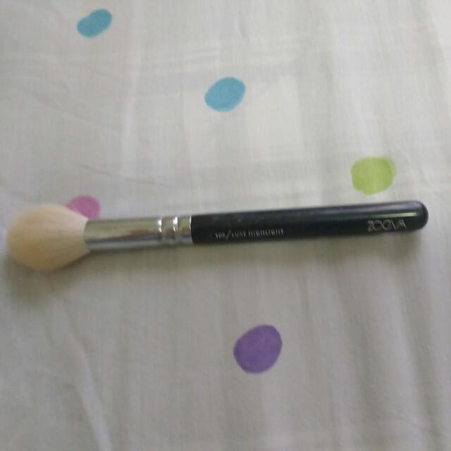 Zoeva Luxe Highlighting Brush