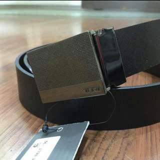 TUMI Belt Size 36