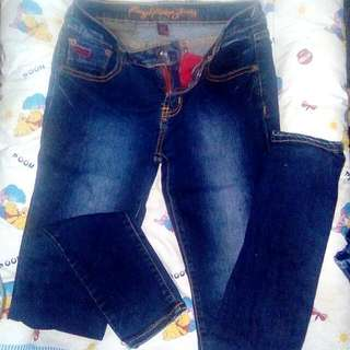 SALE 50 PESOS RRJ PANTS WITH MUNIMUM PURCHASE OF 300 IN MY CLOSET