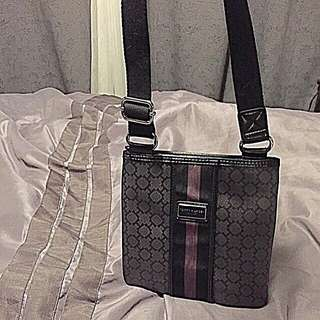 AUTHENTIC Tommy Hilfiger New Crossbody