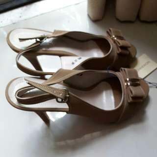 Sepatu New