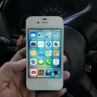 Iphone 4s 16Giga Warna Putih (GSM)
