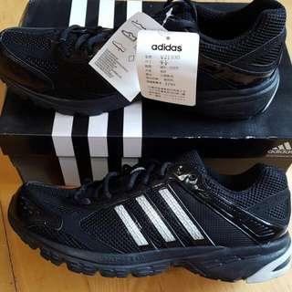 Adidas愛迪達uk9.5(us10)運動鞋