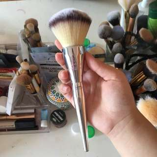 It Cosmetics ( Replica) Brush