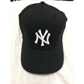 Black New Era Yankees Hat (M/L)