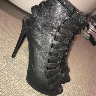 KOOKAÏ heels