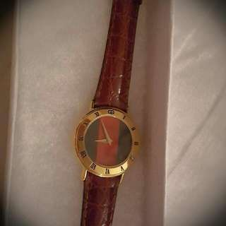 Classic GUCCI Leather Watch