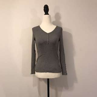 Knitted V neck Grey Sweater