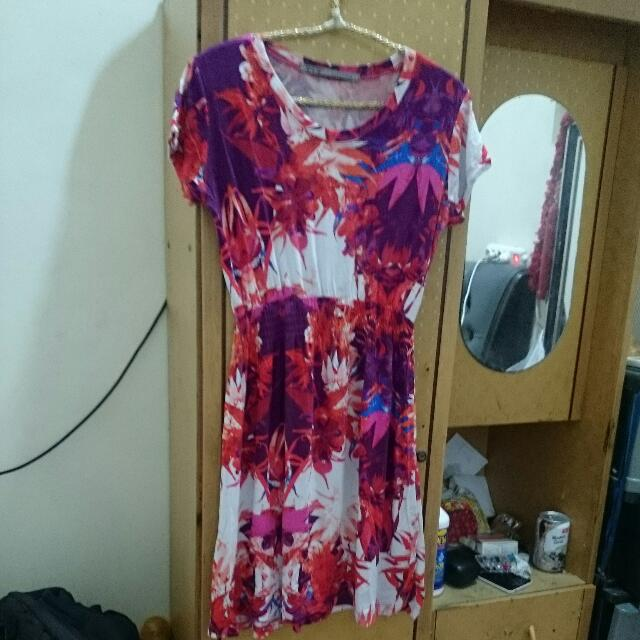 Abstract Dress Merek Zephyros