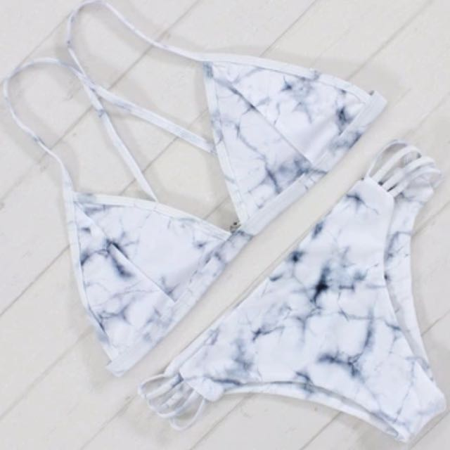 Beautiful marble strappy bikini set 👑