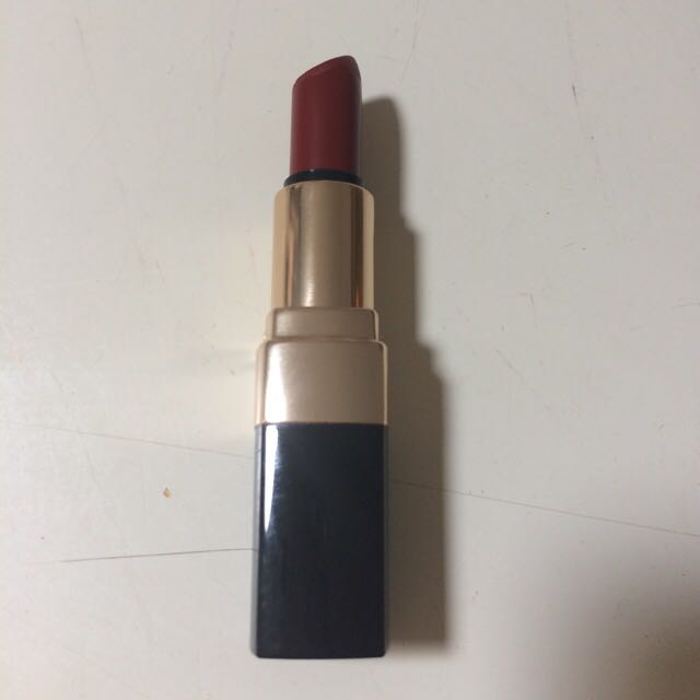 PRICE REDUCTION :Bobbi Brown Lipstick In The Shade 'burnt Red #9'