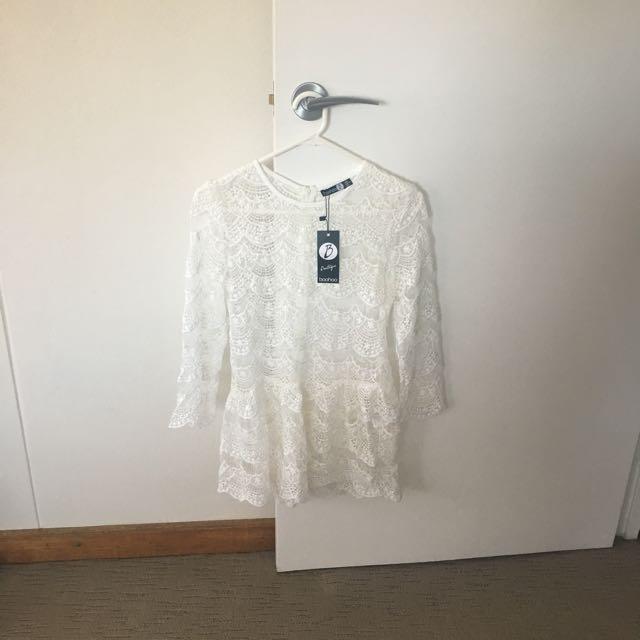 Boohoo BNWT Size 6 Crochet Lace Peplum Top