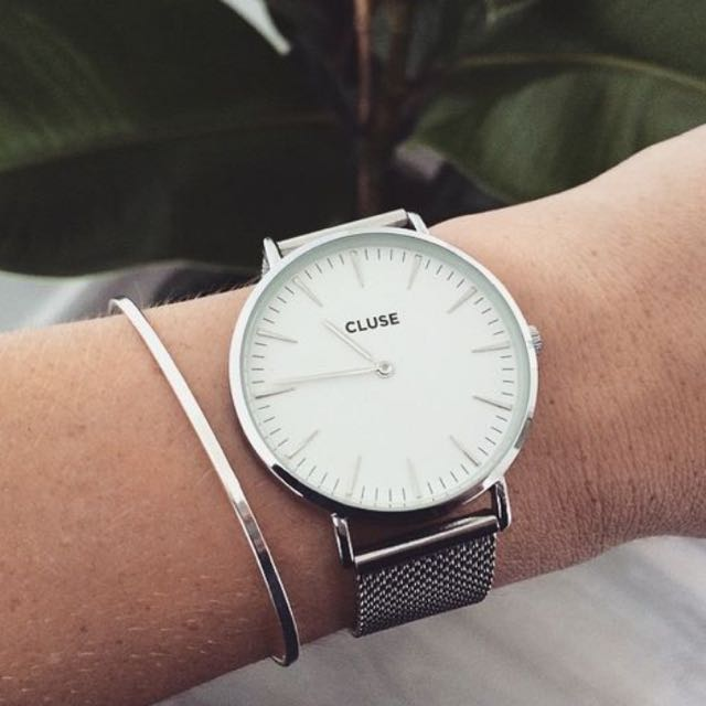 Close Silver Mesh Watch
